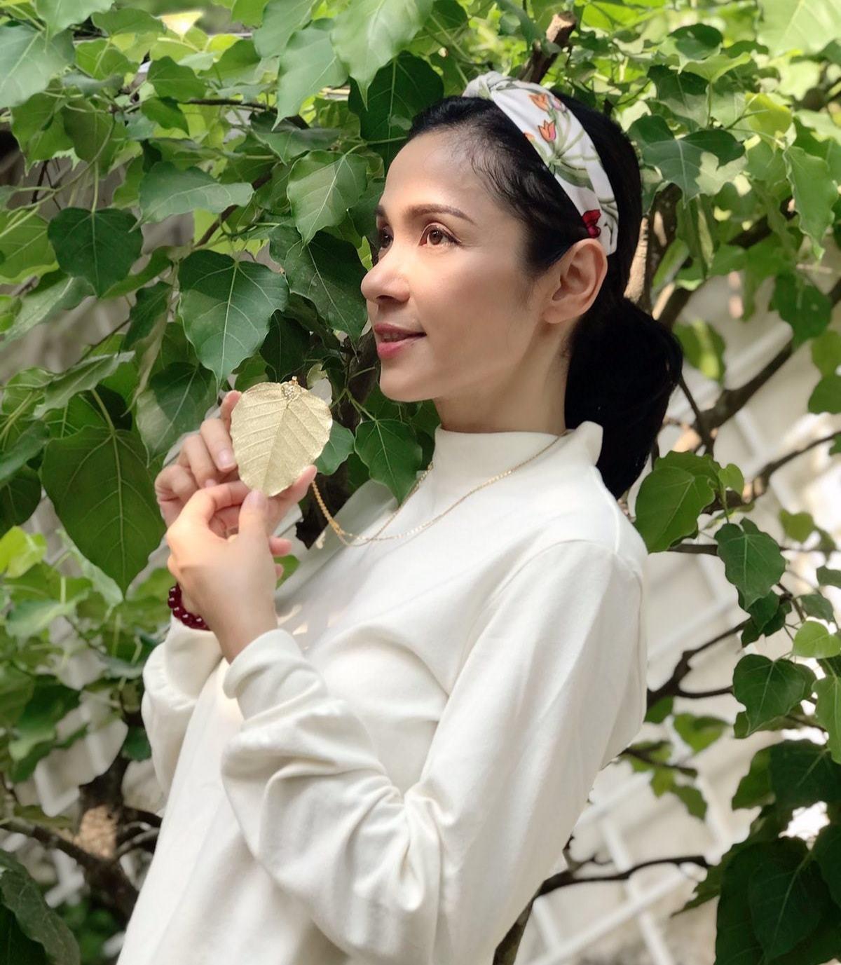Đời thường trẻ trung tuổi 49 của diễn viên Việt Trinh-12