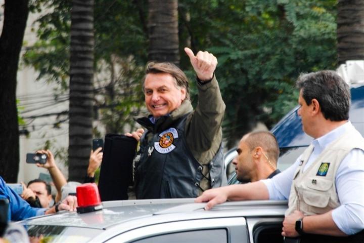 Không đeo khẩu trang phòng COVID-19, Tổng thống Brazil bị phạt tiền-1