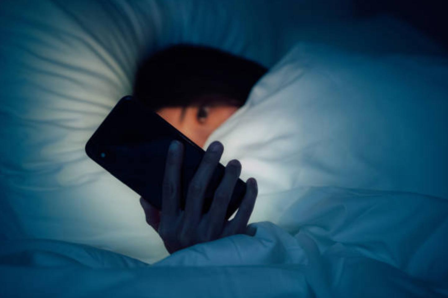 Cuộc hôn nhân hoàn hảo tan vỡ trước bí mật trong điện thoại của chồng-1