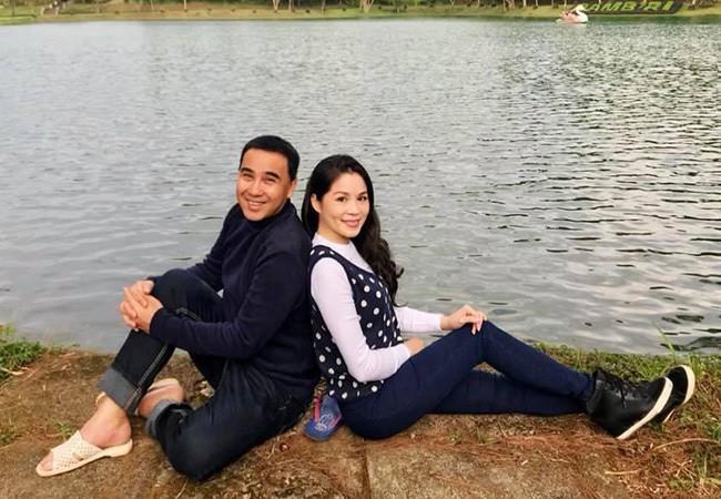 Bà xã doanh nhân U50 kín tiếng của MC Quyền Linh-2