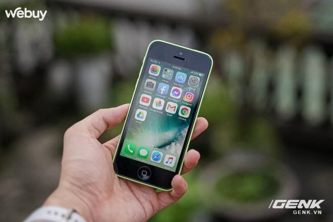 2021 rồi, muốn mua iPhone 5C vẫn tốn gần 1 triệu, liệu có đáng không? - Ảnh 1.