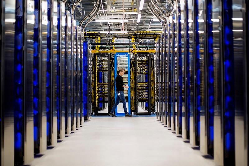 Nhân viên Microsoft ngủ lại trung tâm dữ liệu do Covid-19-1