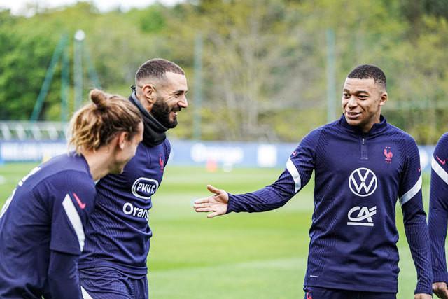 Mbappe lên tiếng về mâu thuẫn với Giroud ở tuyển Pháp-2