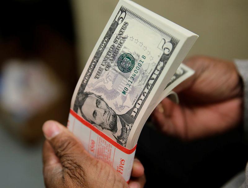 Tỷ giá ngoại tệ ngày 14/6: Lạm phát tăng, USD lên giá-1