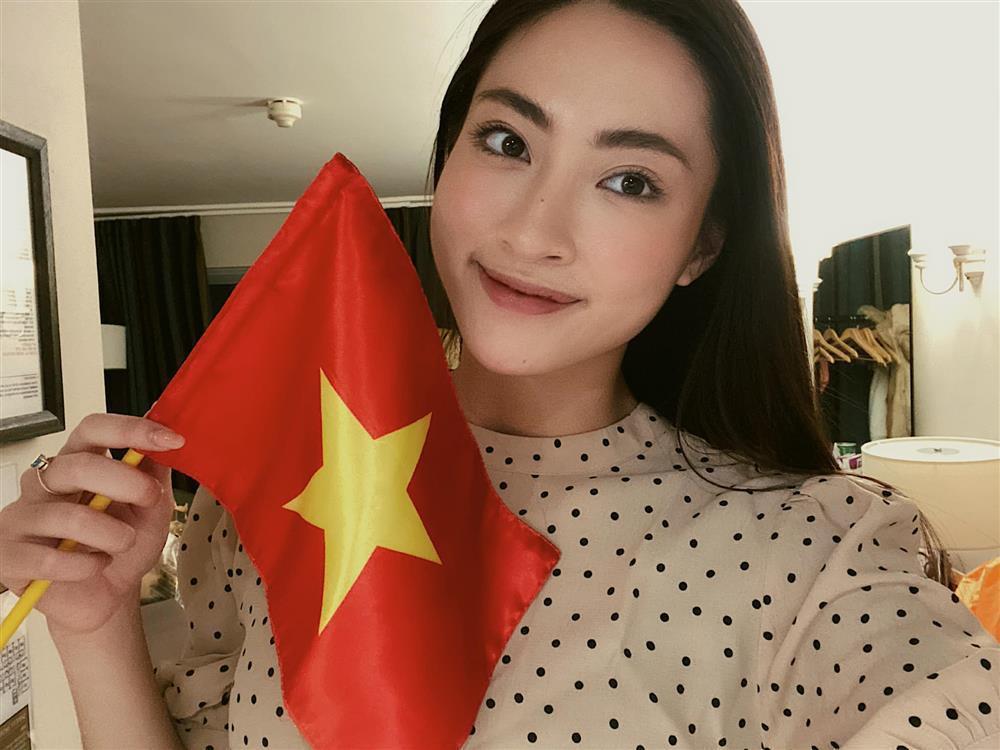 Hoa hậu Tiểu Vy hứa làm osin nếu đội tuyển Việt Nam thắng UAE-3