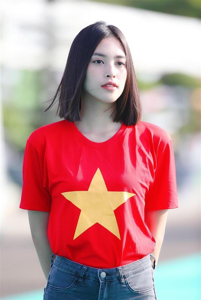 Hoa hậu Tiểu Vy hứa làm osin nếu đội tuyển Việt Nam thắng UAE-1