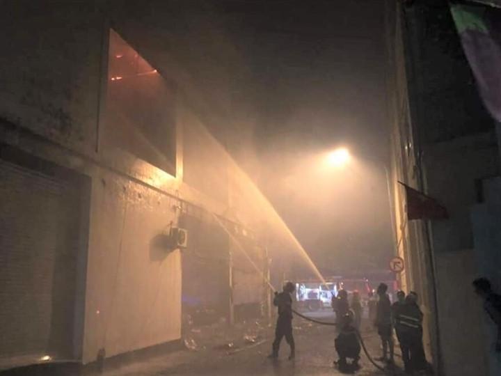 Phòng trà ở TP Vinh cháy dữ dội, ít nhất 6 người thiệt mạng-2