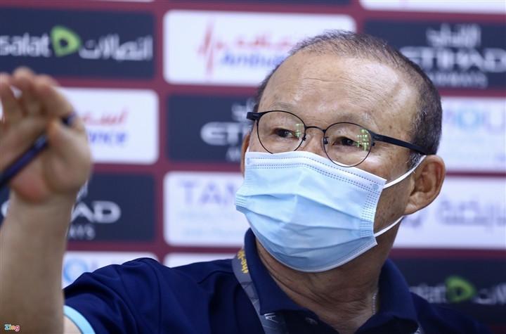 HLV Park Hang Seo nổi nóng với phóng viên UAE-1