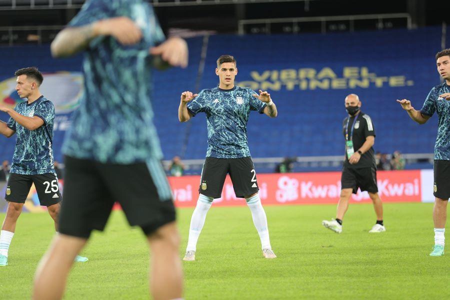 Messi vẽ siêu phẩm, Argentina vẫn tuột chiến thắng ra quân Copa-9