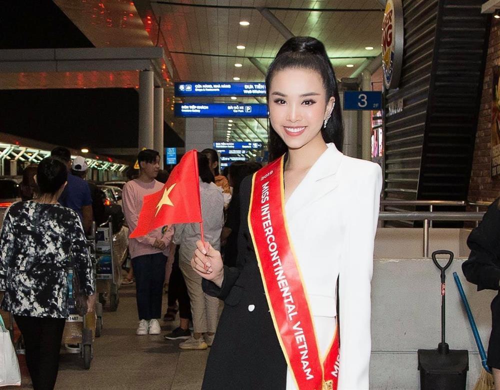 Hoa hậu Tiểu Vy hứa làm osin nếu đội tuyển Việt Nam thắng UAE-2