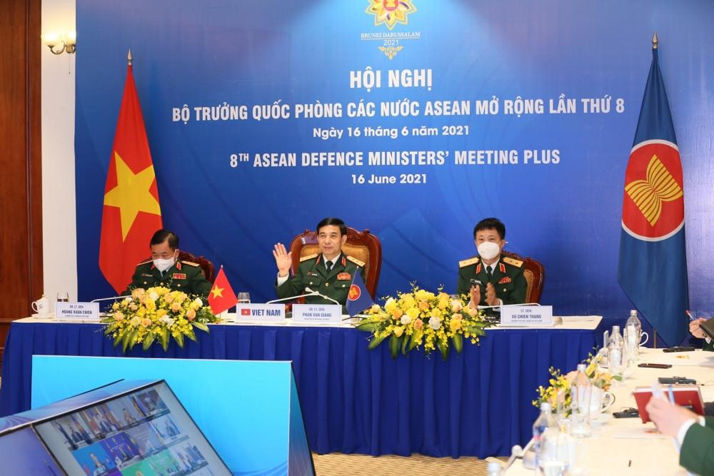 Quang cảnh Hội nghị Bộ trưởng Quốc phòng các nước ASEAN mở rộng (ADMM +) lần thứ 8 tại điểm cầu Hà Nội. (Nguồn: BQP)