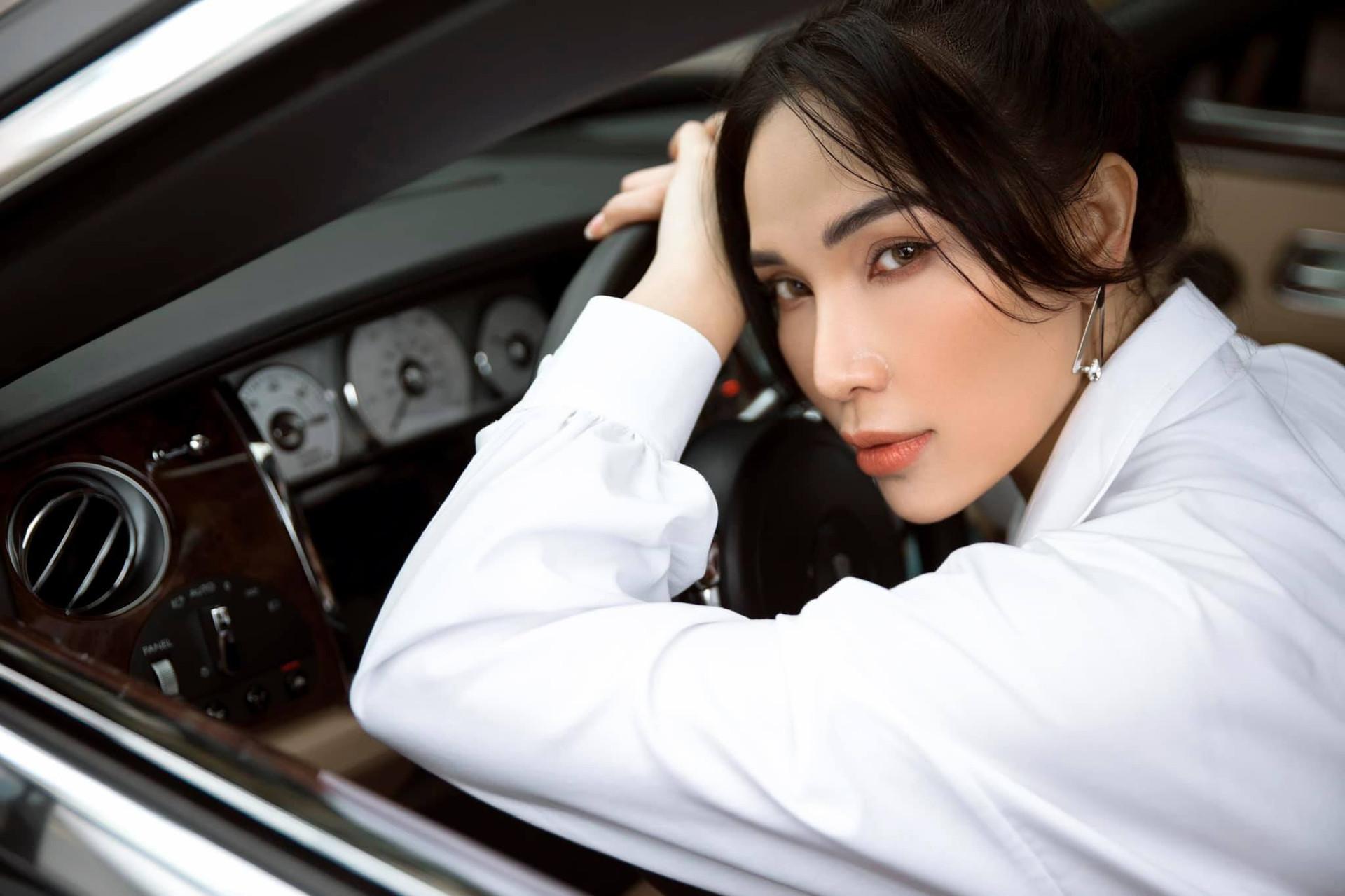 Vẻ đẹp gợi cảm của người mẫu Quỳnh Thư-4