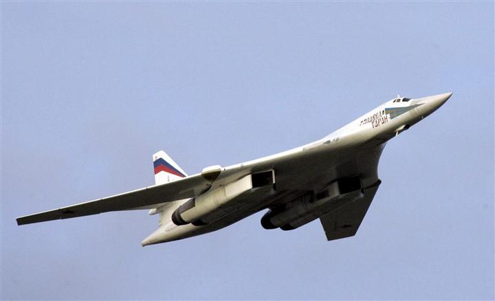 Máy bay ném bom Tu-160 tiến thẳng đến Baltic trước thềm thượng đỉnh Mỹ - Nga-1