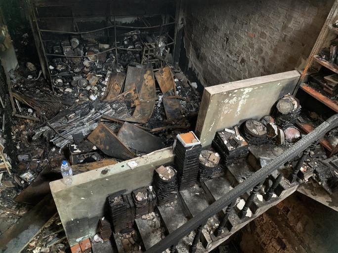 Nhà ống không lối thoát hiểm: Tang thương chồng chất sau những vụ cháy-1