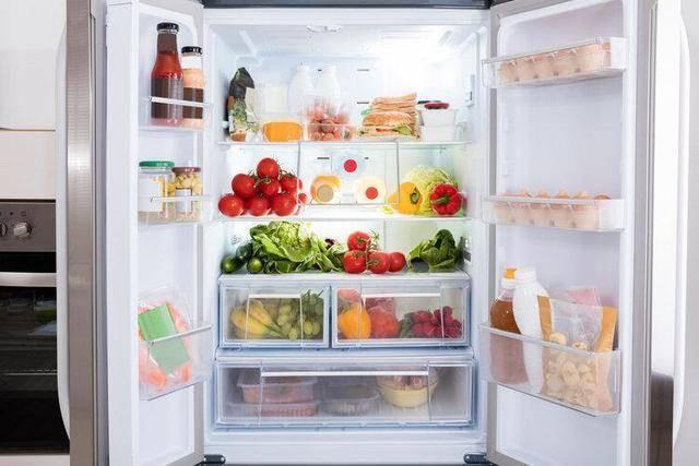 Người phụ nữ bị ung thư dạ dày, 3 loại thực phẩm để lâu trong tủ lạnh này là thủ phạm-1