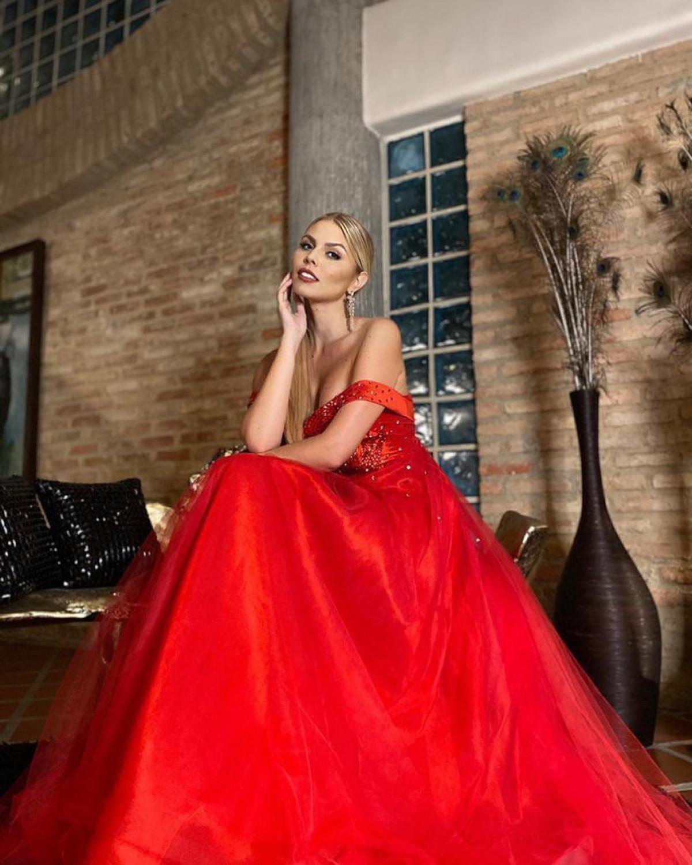 Vẻ đẹp kiêu sa, nóng bỏng của Hoa hậu Siêu quốc gia Venezuela-9