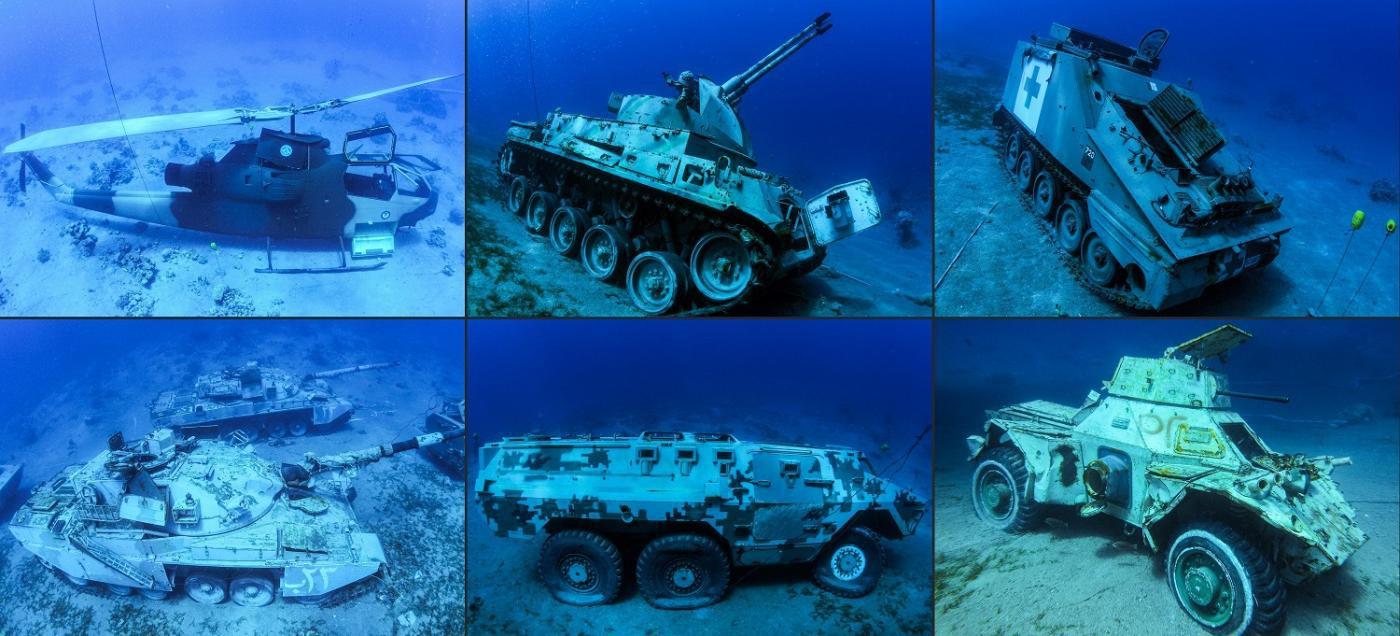 Du khách bơi, lặn ngắm bảo tàng quân sự có một không hai trên thế giới-2