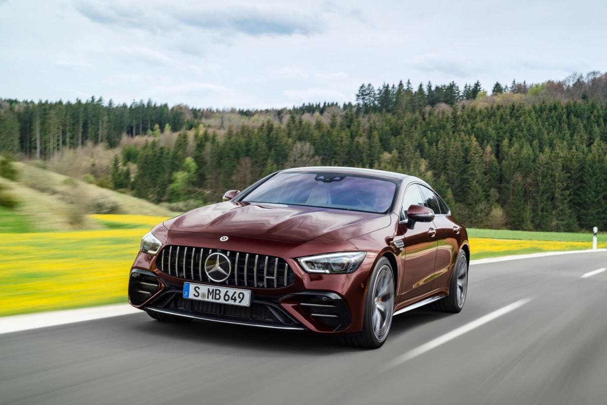 Khám phá nội - ngoại thất Mercedes-AMG GT 4 cửa 2022-11