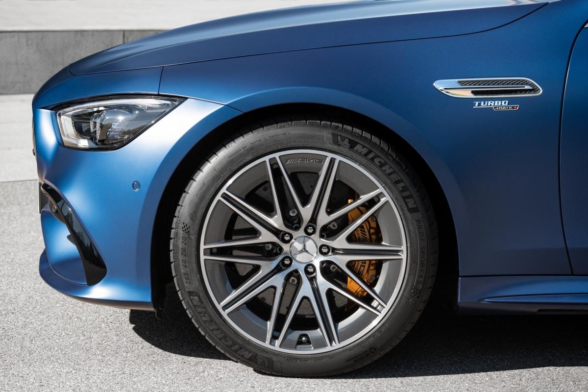 Khám phá nội - ngoại thất Mercedes-AMG GT 4 cửa 2022-8