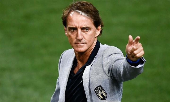 EURO 2020: Tuyển Italy không còn là bông hoa hồng trên khối bê tông-4