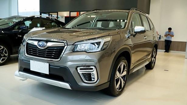 Giá giảm sâu khách vẫn thờ ơ, ô tô Việt chật vật chạy doanh số-1