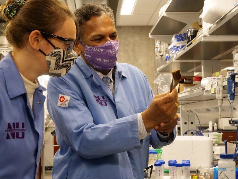 Các nhà khoa học làm sạch nước ô nhiễm bằng con dao quân đội-1