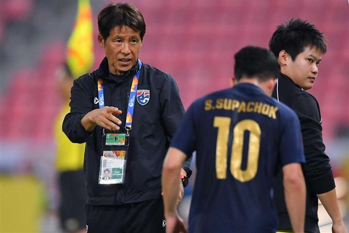 Thua thảm ở vòng loại World Cup, bóng đá Thái Lan khủng hoảng-5