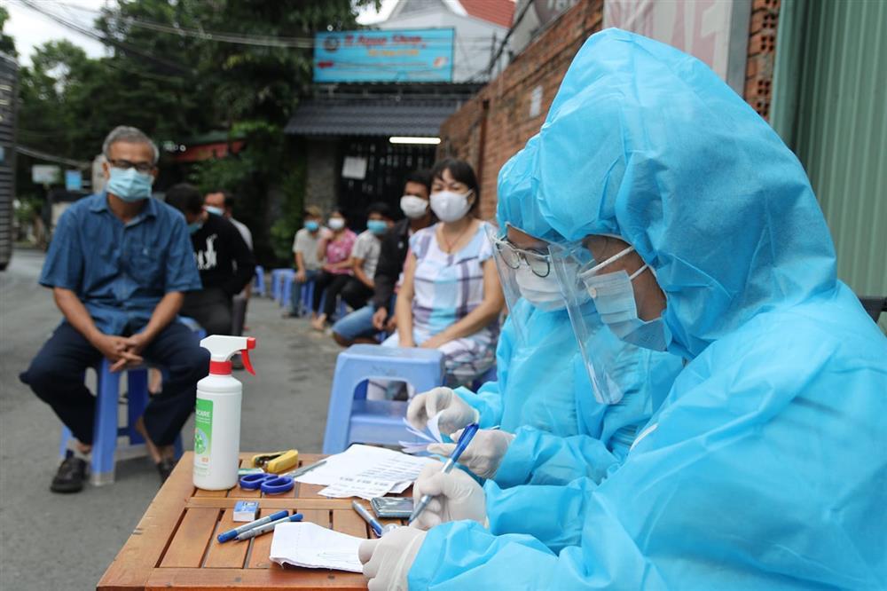 Phong tỏa tạm thời Bệnh viện quận 4 do người đến khám bệnh dương tính nCoV-1