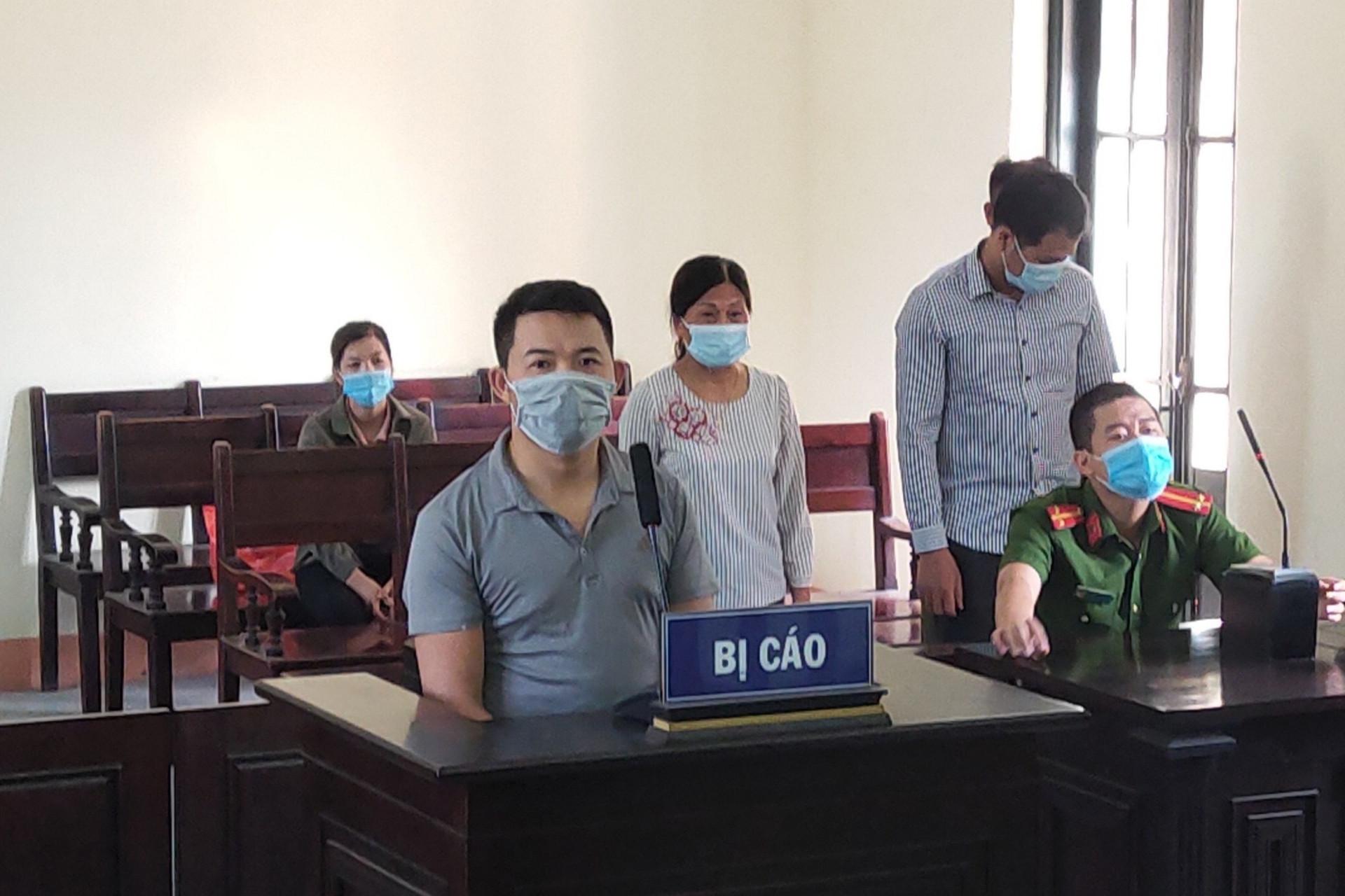 Lĩnh 2 năm tù vì tấn công học viên Học viện Cảnh sát tại chốt kiểm dịch-1