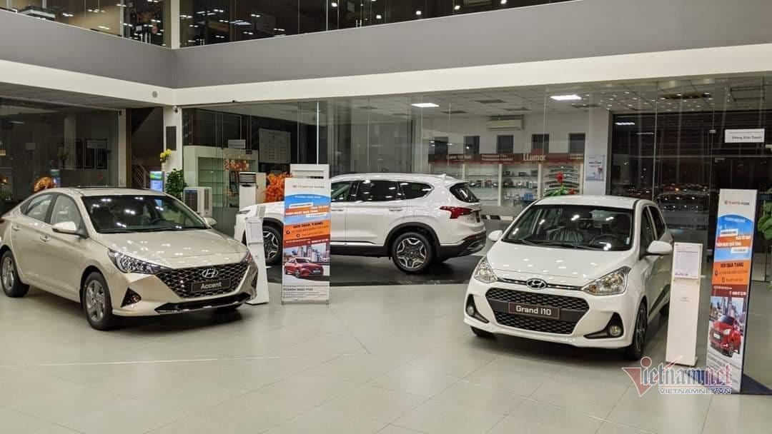 Giá giảm sâu khách vẫn thờ ơ, ô tô Việt chật vật chạy doanh số-2