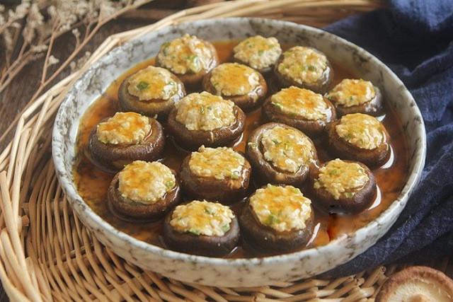 Hôm nay ăn gì: Đổi bữa, vợ nấu món nào cũng ngon, đậm đà, thanh mát trôi cơm ngày nóng-5