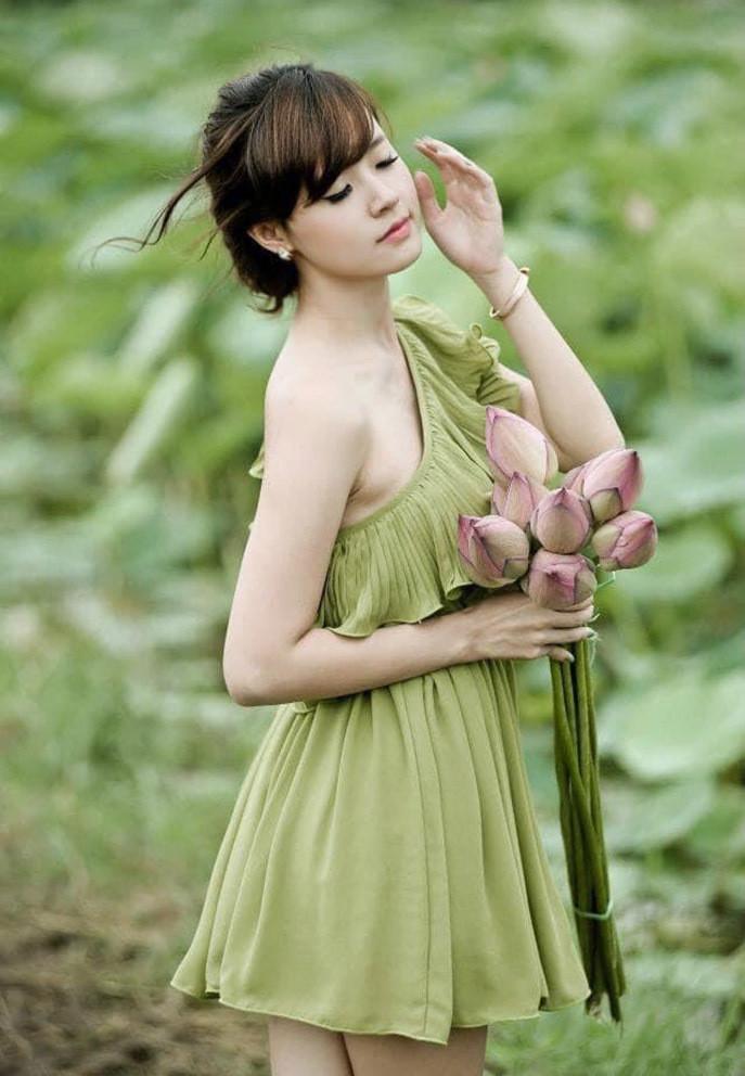 Sao Việt 19/6; Con gái 7 tháng tuổi xinh và điệu của Hà Hồ - Kim Lý-4