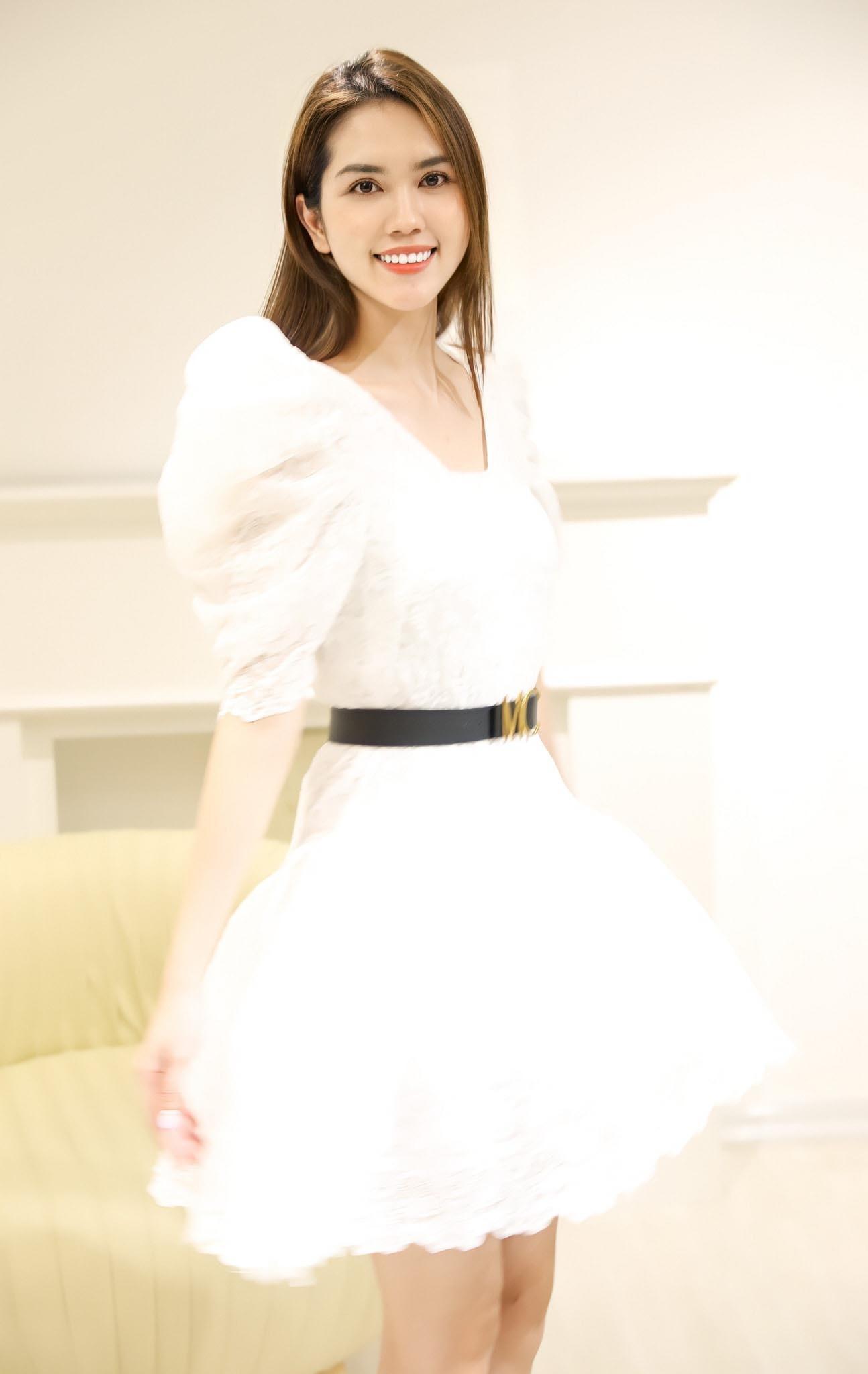 Vợ kém 13 tuổi của Minh Tiệp ngày càng trẻ trung, xinh đẹp-4