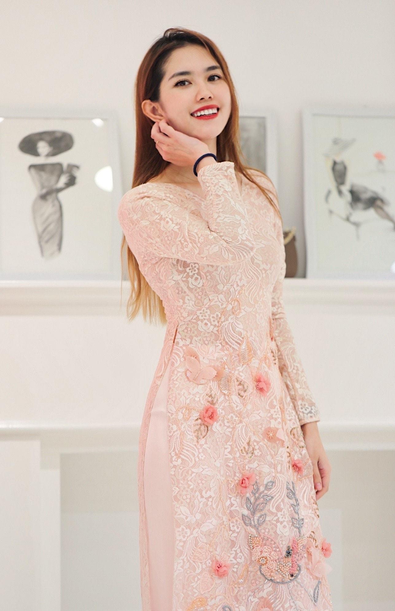 Vợ kém 13 tuổi của Minh Tiệp ngày càng trẻ trung, xinh đẹp-13