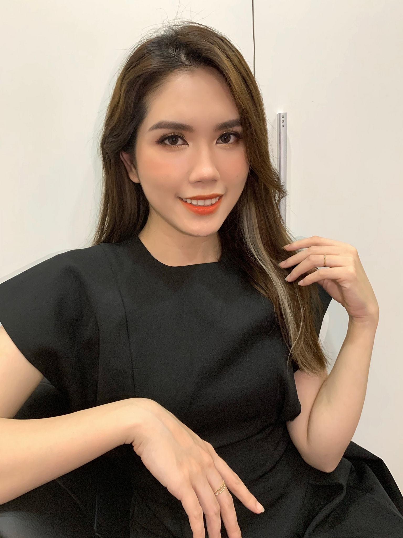 Vợ kém 13 tuổi của Minh Tiệp ngày càng trẻ trung, xinh đẹp-22