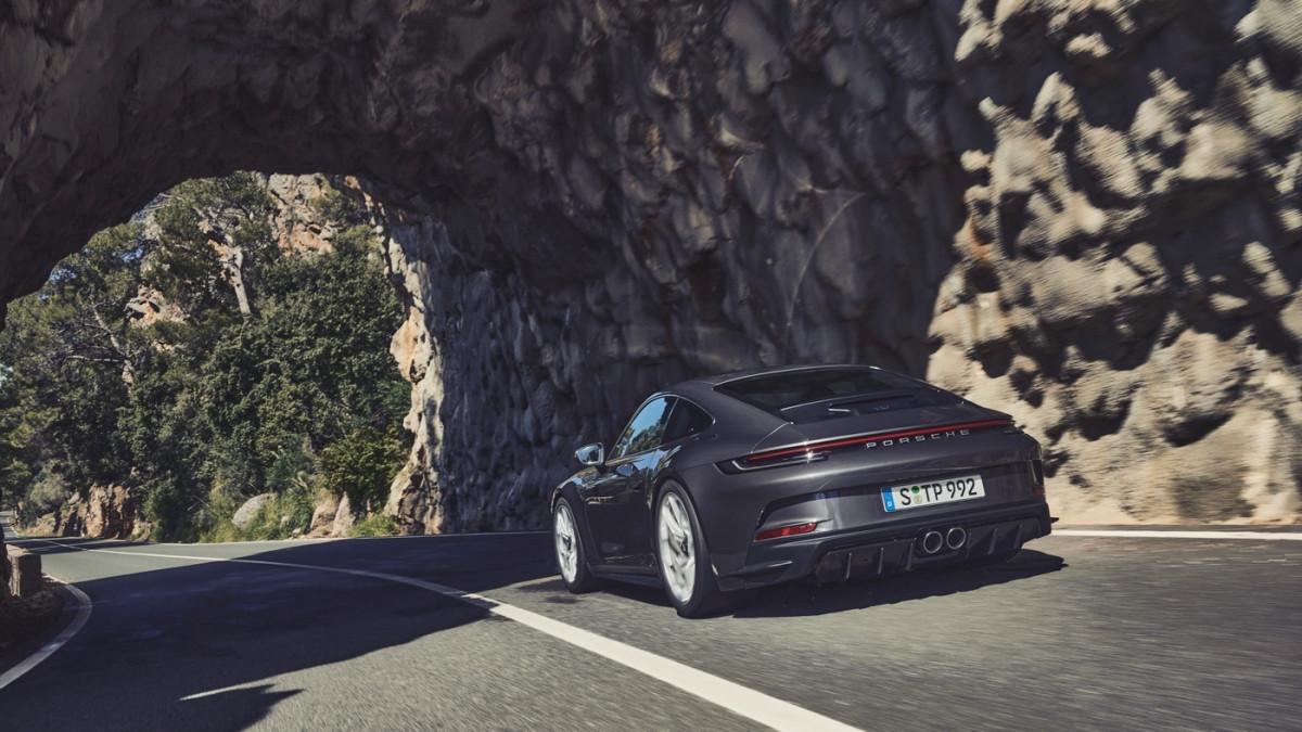 Cận cảnh Porsche 911 GT3 Touring 2022-4