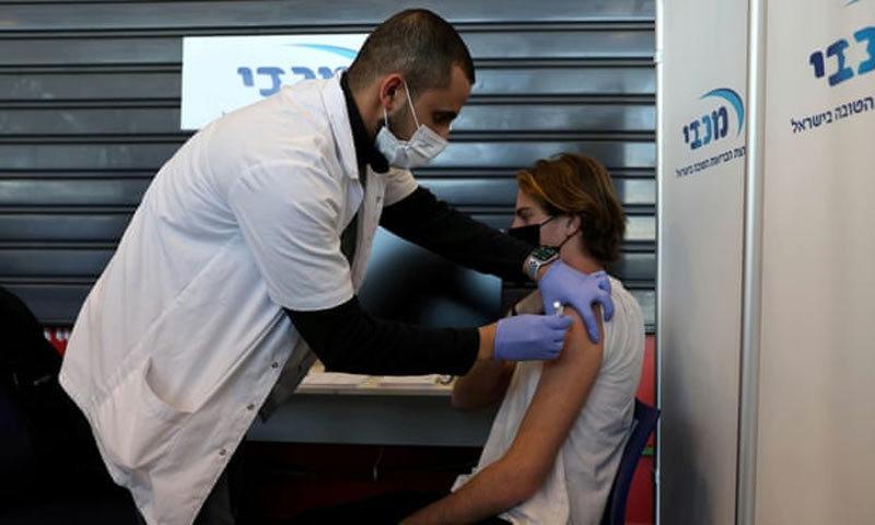 Sựkhác biệt lớn ở hai nước tiêm vắc xin Covid-19 thành công-1