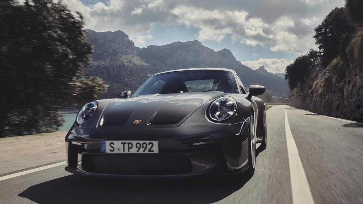 Cận cảnh Porsche 911 GT3 Touring 2022-12