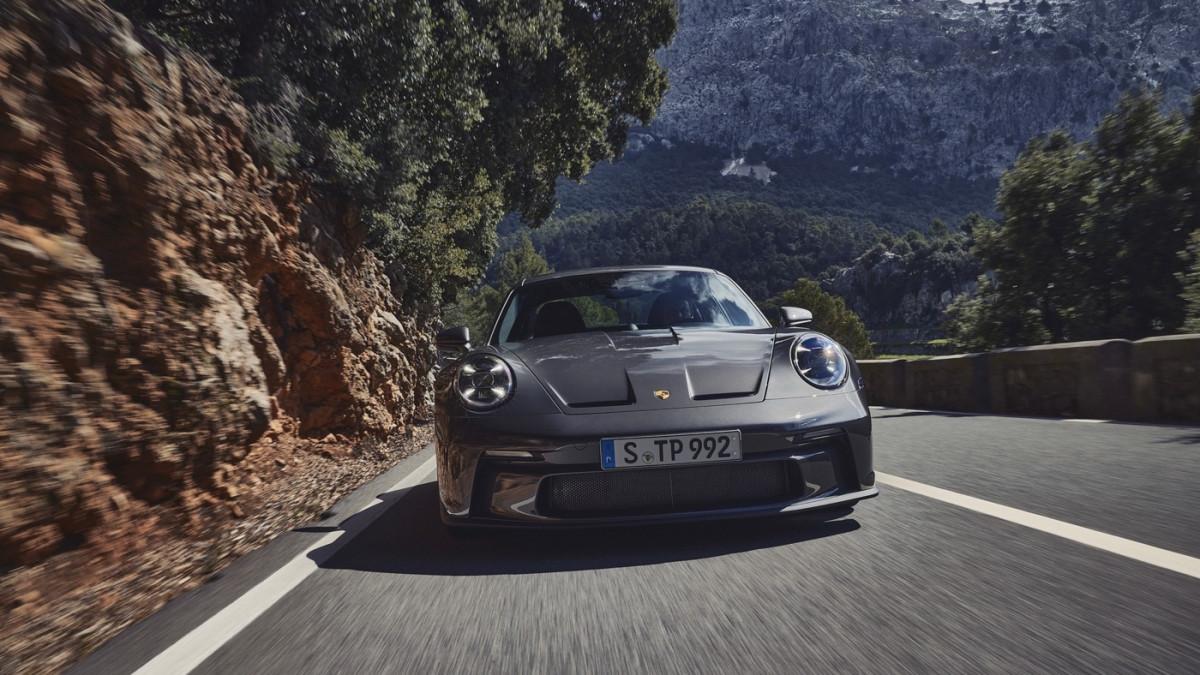 Cận cảnh Porsche 911 GT3 Touring 2022-3