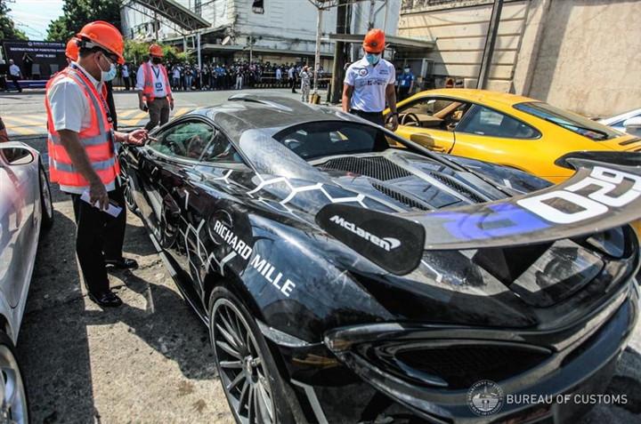 Nhiều siêu xe bị tiêu hủy tại Philippines-4