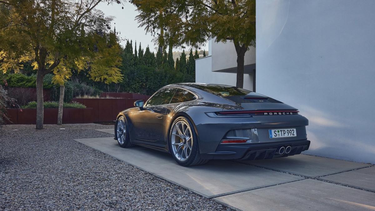 Cận cảnh Porsche 911 GT3 Touring 2022-11