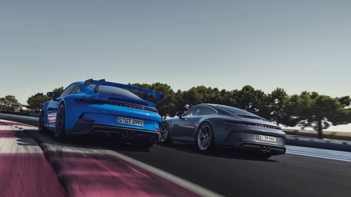 Cận cảnh Porsche 911 GT3 Touring 2022-2