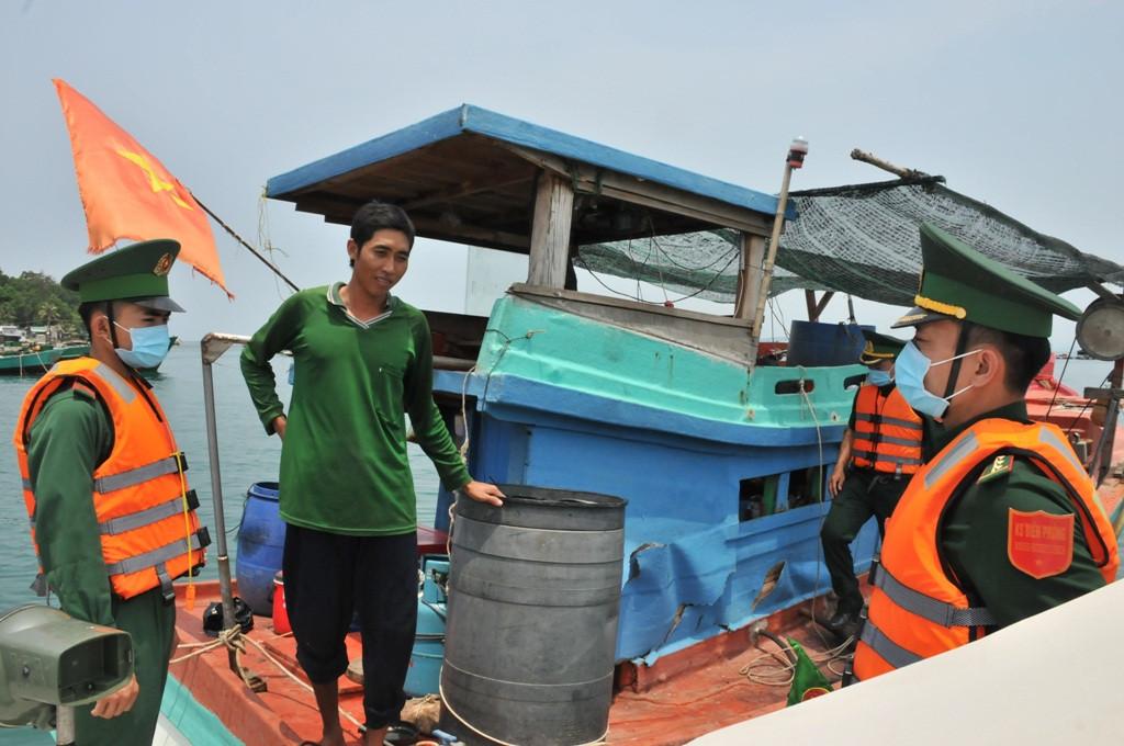 Tiêm vắc xin phòng Covid-19 cho cư dân Phú Quốc để cứu ngành du lịch-3