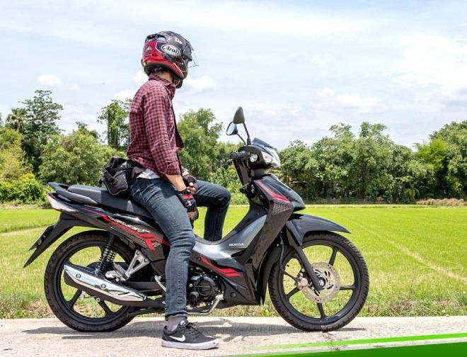 Mẫu xe máy Thái đi 100km hết 1,3 lít xăng, giá 27 triệu đồng, chặt đẹp Honda Wave Alpha-1