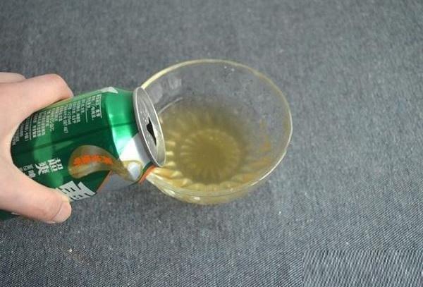 Mùa hè này uống bia không hết đừng vứt đi, mang vào nhà vệ sinh có tác dụng tuyệt vời-1