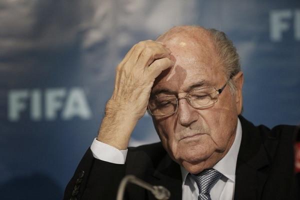 Một trận đấu quyết liệt ở hậu trường FIFA-1