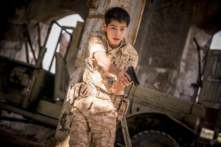 Song Joong Ki gây bão mạng khi tiết lộ bí mật cá nhân-2