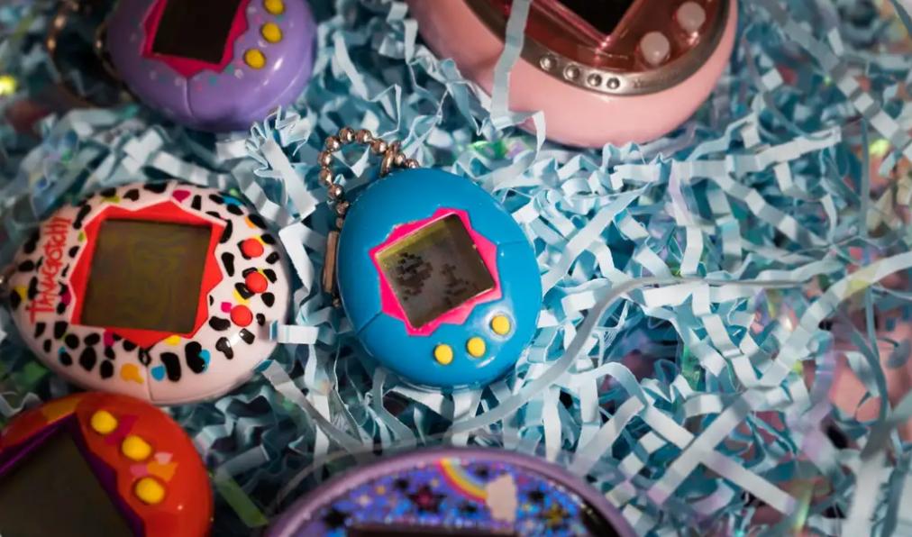 Một vé về tuổi thơ: Gà ảo Tamagochi quay trở lại dưới dạng đồng hồ thông minh-1