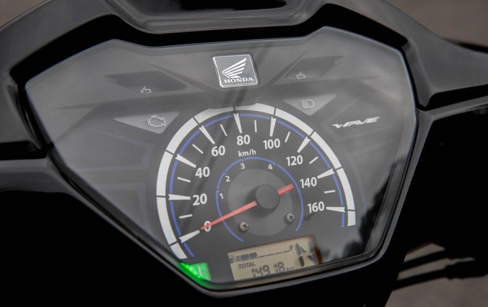 Mẫu xe máy Thái đi 100km hết 1,3 lít xăng, giá 27 triệu đồng, chặt đẹp Honda Wave Alpha-5