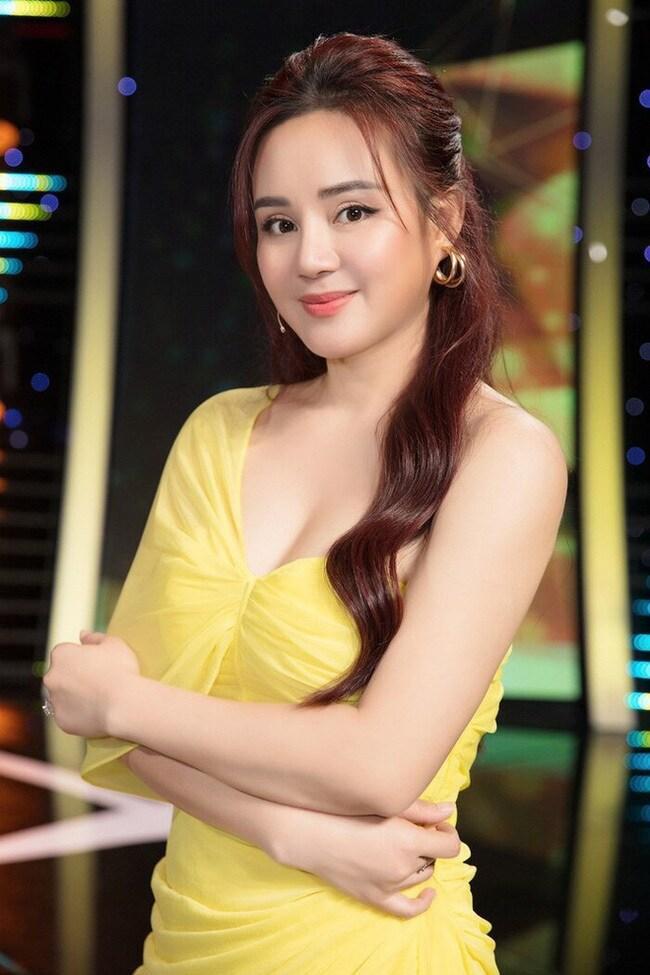 Vy Oanh vẫn bị công kích đẻ mướn, giật chồng sau ồn ào với CEO-4